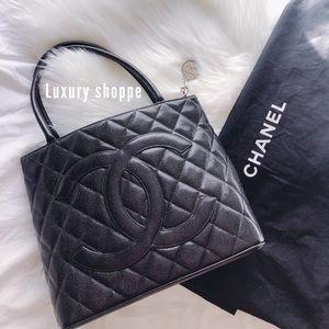 ✨🤍Authentic Black Chanel Medallion Tote🤍✨